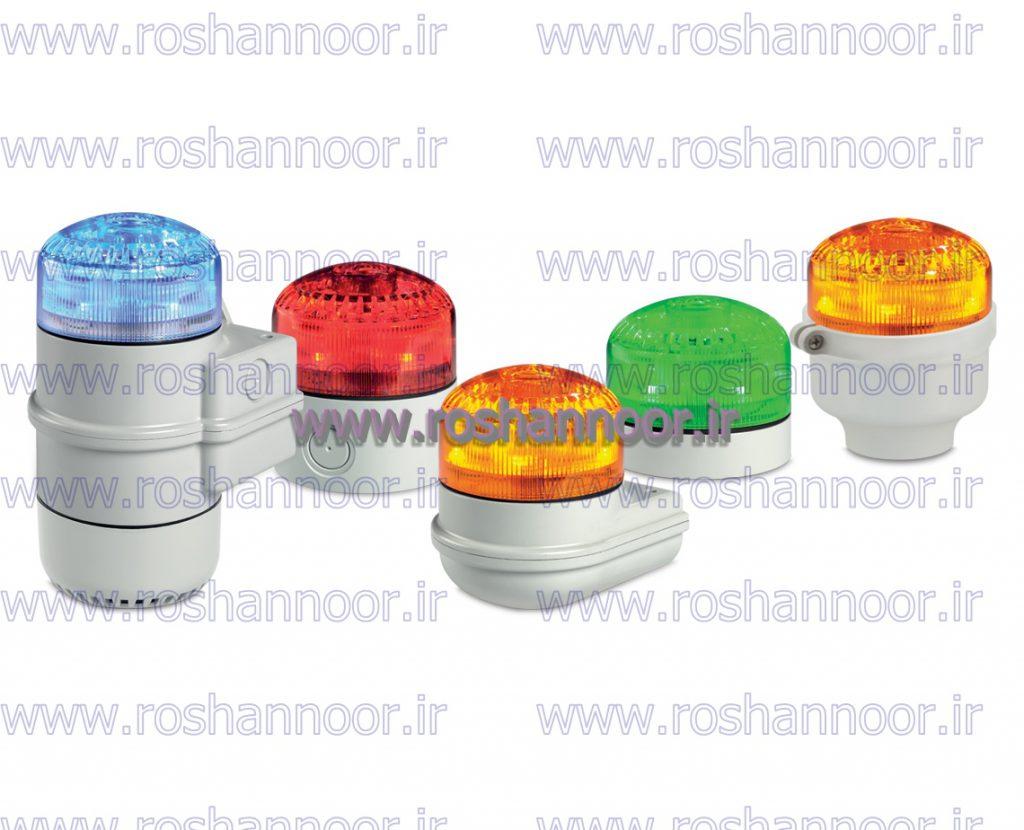چراغ دکل ها به صورت اتوماتیک و با مقایسه مقدار نور خورشید و انرژی حاصل از آن چراغ دکل را خاموش یا روشن می کند. کارایی و قابلیت اطمینان این برد به گونه است که از این چراغ دکل خورشیدی می توان در مناطق آلوده و یا صعب العبور استفاده کرد.