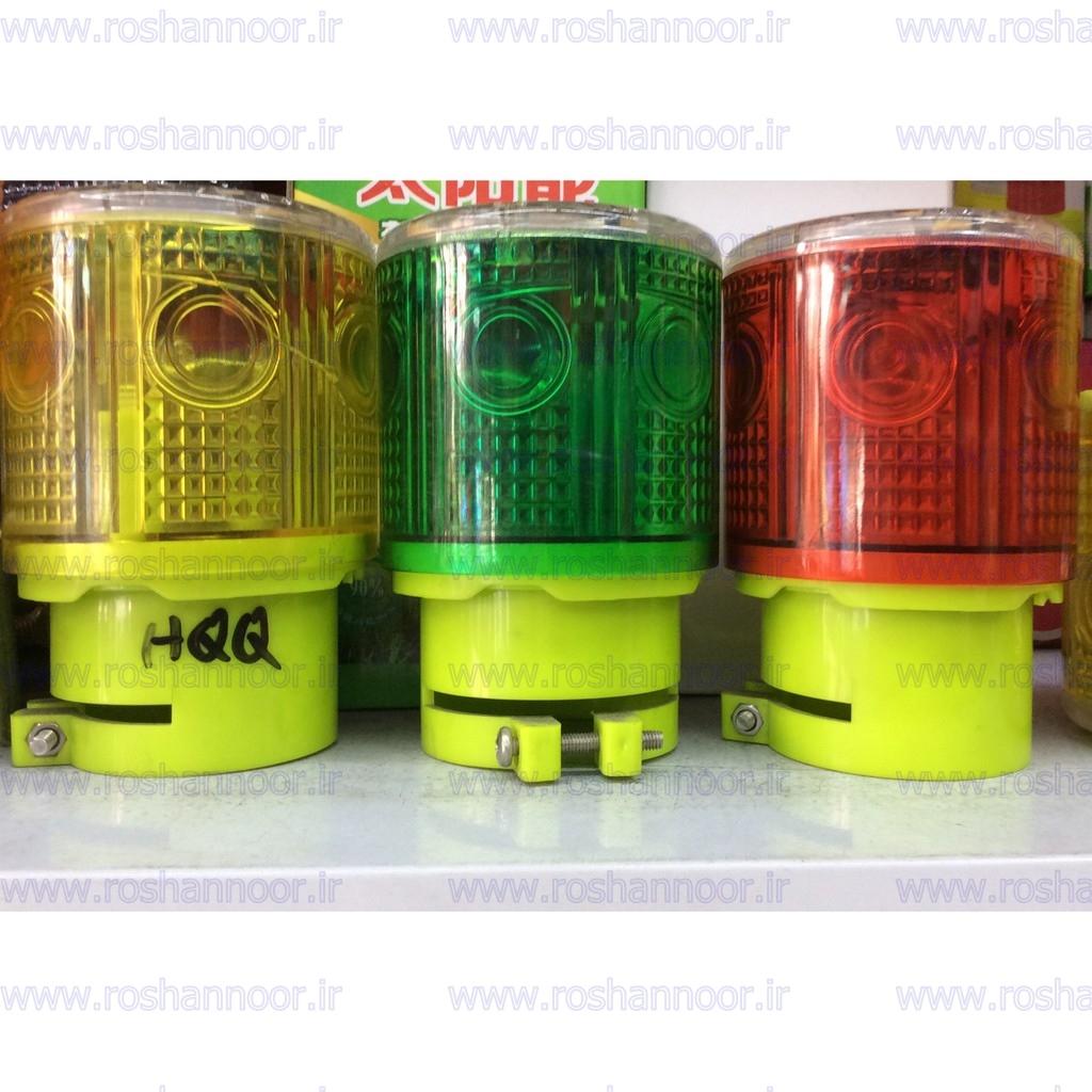 آریانا صنعت داوین به عنوان یکی از اولین مراکز تولید چراغ دکل سولار، انواع چراغ دکل چشمک زن خورشیدی با لامپ ال ای دی ترافیکی را تولید و به صورت مستقیم به بازار عرضه می کند.